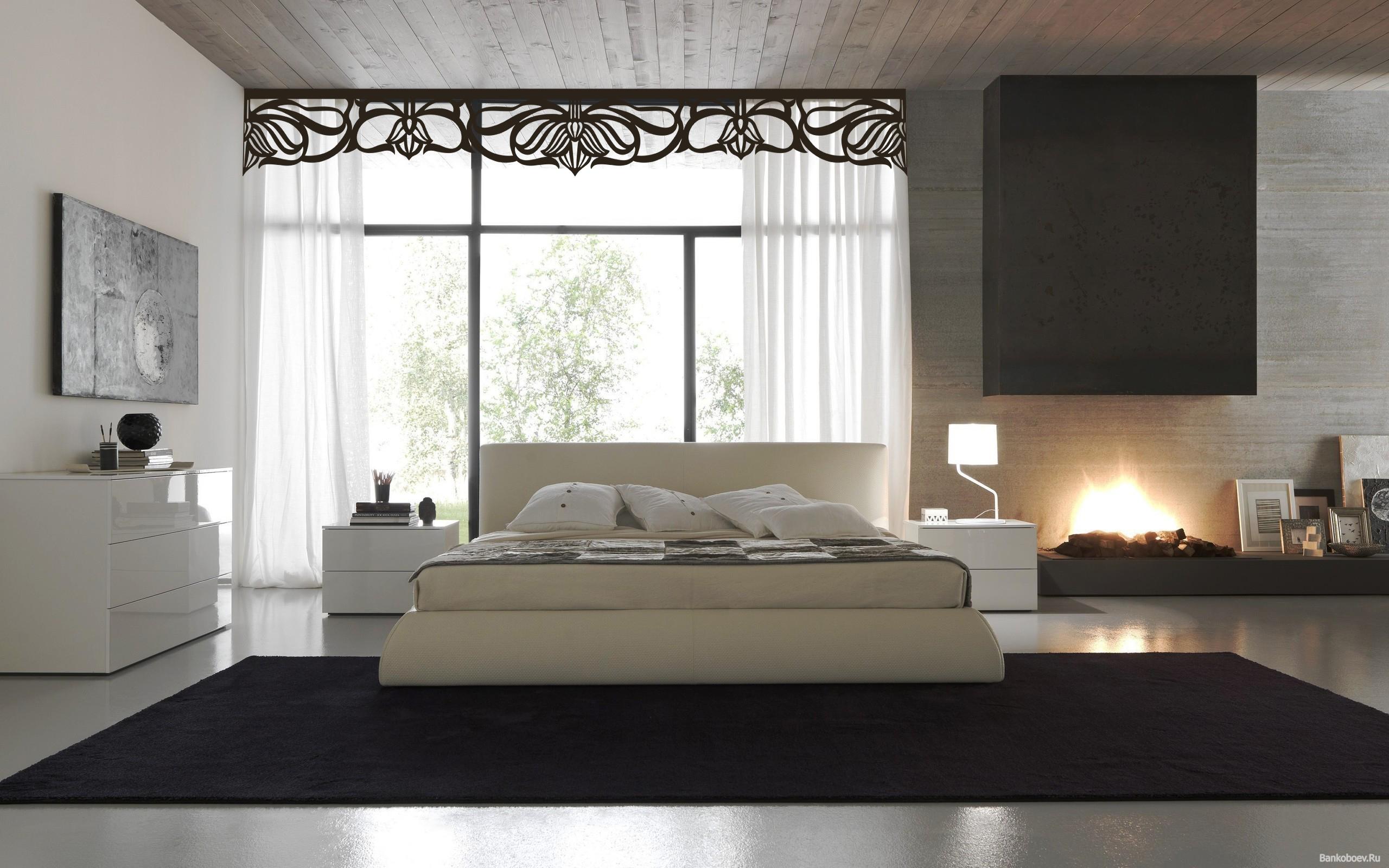 Ажурные ламбрекены в современной спальне