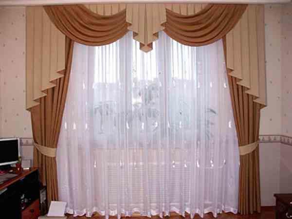 Если вы желаете визуально расширить комнату, то вам смогут помочь тюли с ламбрекеном