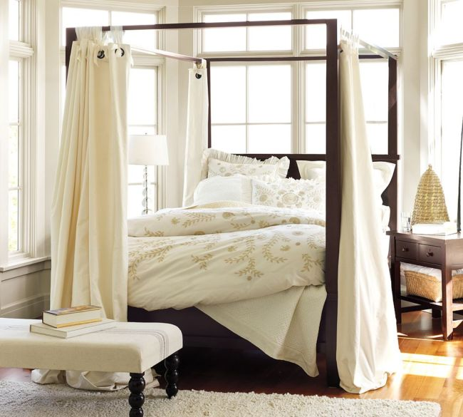 Canopy-Curtains-for-Bed-Queen