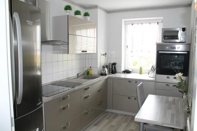 Серая кухня: 2 вида сочетаний (стены, шторы, фартук) и 139 ...